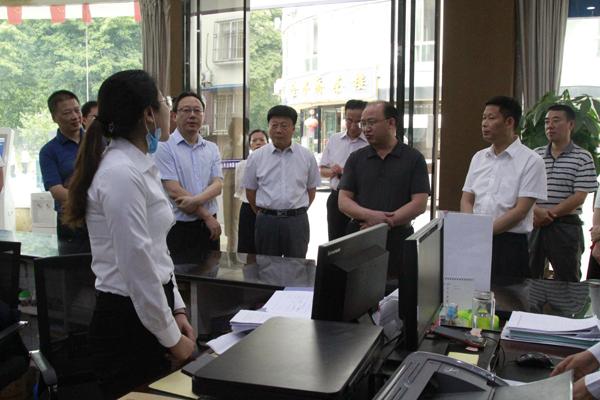 区人大常委会调研全区公共法律服务体系建设工